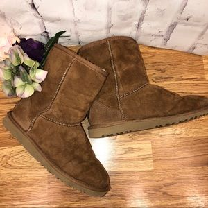 UGG Australia brown short ankle boots. Size 5